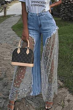 If you're looking for a flares, wide leg jeans look no further than this! Our unique jeans will add an instant style upgrade to your closet.