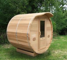 Barrel sauna is wonderful to enjoy dry and hot steam. Barrel shaped sauna is a popular addition to home both indoor and outdoor Saunas, Electric Sauna Heater, Sauna Kits, Indoor Sauna, Hot Tub Time Machine, Barrel Sauna, Easy Woodworking Ideas, Cedar Roof, Sauna Design