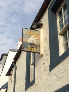 A pub along the Firth of Fife near Edinburgh.
