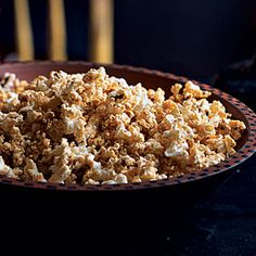 Maple-Chile Popcorn---quick and easy, perfect for a Fall movie night or waiting for trick-or-treaters!