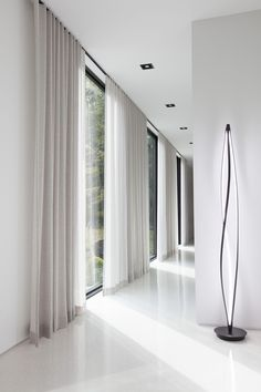 Take a Tour of the Woodland House The Shade Store - Decorative Curtains - Ideas of Decorative Curtains Floor To Ceiling Curtains, Curtains With Blinds, Hanging Curtains, Drapery Panels, Ceiling Curtain Track, Window Blinds, Wood Blinds, Linen Curtains, Curtains Living
