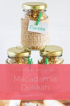 Macadamia dukkah - a delicious homemade foodie gift Christmas Baking Gifts, Homemade Christmas Gifts, Homemade Gifts, Christmas Crafts, Dukkah Recipe, Whole Food Recipes, Cooking Recipes, Low Carb Sauces, No Bake Treats