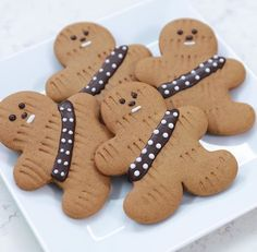 Star Wars Gingerbread Wookiee Cookies - Star Wars - Ideas of Star Wars - To celebrate Rogue One landing in theaters this week Los Angeles baker and author Rosanna Pansino of Nerdy Nummies demonstrated how to make a series of Bolo Star Wars, Tema Star Wars, Star Wars Food, Star Wars Cake, Star Wars Cupcakes, Star Wars Birthday Cake, Birthday Cookies, 5th Birthday, Star Wars Themed Food