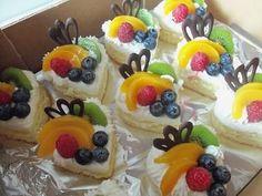 dorty,cukroví a jine sladkosti | Zákusky'řezy... Minis, Waffles, Food And Drink, Pudding, Baking, Breakfast, Cupcake, Relax, Mirror