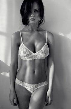 Taylor Vixen Hot Sexy Nud Photo