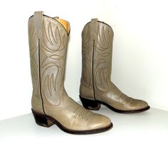 Vintage Grey Leather  Cowboy Boots size 7 D by honeyblossomstudio, $50.99