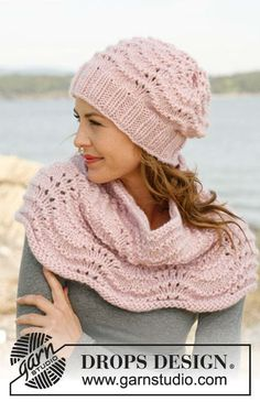 """134-12 Set consists of: Knitted DROPS hat and neck warmer with wave pattern in """"Eskimo""""."""