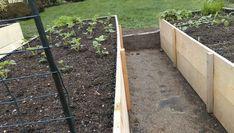 Vyvýšené záhony - foto návod – Z mojí kuchyně Projects To Try, Outdoor Structures, Crafts, Diy, Gardening, Garden, Vegetable Gardening, Compost, Manualidades