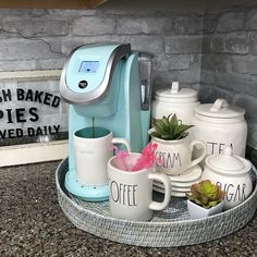 Beautifully Designed Countertop Coffee Stations 90 Beautifully Designed Countertop Coffee Stations - Style Of Coffee Bar In Kitchen Coffee Bars In Kitchen, Coffee Bar Home, Home Coffee Stations, New Kitchen, Kitchen Small, Coffee Counter, Kitchen Corner, Office Coffee Station, Life Kitchen