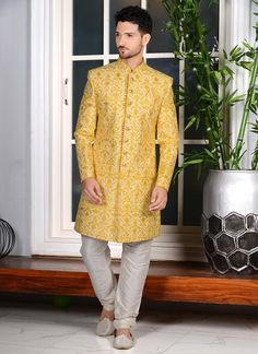 Yellow Color Indo Western For Wedding Indian Men Fashion, Indian Fashion Designers, Indian Designer Wear, Asian Fashion, Mehndi Outfit, Fancy Buttons, Haldi Ceremony, Patiala Salwar, Silk Brocade