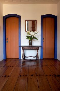American poet Elizabeth-Bishop's colonial interior in Ouro Preto Brazil Rustic Kitchen Design, Interior Decorating, Interior Design, Cafe Interior, Country Decor, Decoration, Interior Architecture, Sweet Home, New Homes