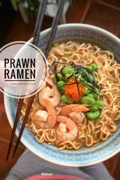 Prawn Noodle Recipes, Easy Pasta Recipes, Veggie Recipes, Seafood Recipes, Cooking Recipes, Dinner Recipes, Veggie Meals, Prawn Soup, Prawn Pasta