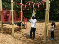 Jugando en el parque con Papi en Savannah