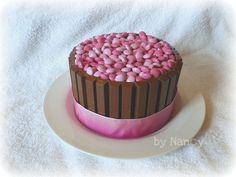 mommo design: EASY CAKES DECOR kitkat