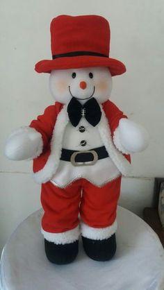 Muñeco de Nieve Felt Christmas Decorations, Felt Christmas Ornaments, Christmas Gifts For Kids, Christmas Centerpieces, Christmas Snowman, Christmas Stockings, Christmas Crafts, Merry Christmas, Xmas