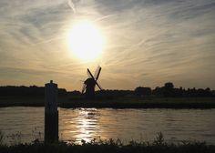 "De Knip Molen (windmill) in Voorschoten, Zuid Holland. From the blog article ""A Review of Summer 2013"" on AngloINFO South Holland"