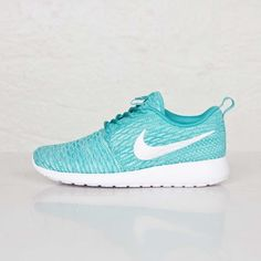 Femme Nike Wmns Roshe run Flyknit Sneakers Turquoise Sport/Turquoise Blanche Hyper 704927-300