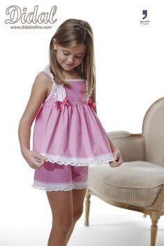 Little Girl Outfits, Cute Girl Outfits, Cute Little Girls, Kids Outfits, Nice Dresses, Girls Dresses, Night Suit, Girls World, Trouser