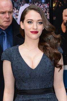 Kat Dennings Wows In Plunging Dress At The 'Late Show With David Letterman' Kat Dennings, Beautiful Celebrities, Beautiful Actresses, Black Celebrities, Gorgeous Women, Hot Actresses, Hollywood Actresses, Cristina Hendrix, Two Broke Girl