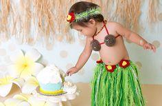 Hawaiian hula baby, 1st birthday cake smash, happy birthday, cake theme, Hawaii, hulagirl