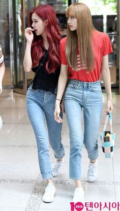 Rose and Lisa Blackpink Fashion, Korean Fashion, Fashion Outfits, Kpop Outfits, Girl Outfits, Cute Outfits, Kim Jennie, Memes Blackpink, Black Pink