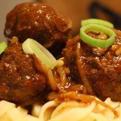 Vorige week trapten we af met kip Madras. Dit recept is onwijs goed ontvangen en inmiddels al vaak gemaakt en met smaak gegeten, top! Vandaag is beef Shanghai aan de beurt, wat nogal wat bloed, zweet en tranen heeft gekost. Maar het is gelukt! De wereldmaaltijd beef... #food #health #juliachallenge