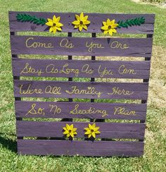 Seating pallet sign