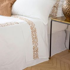Embroidery Designs Online, Free Machine Embroidery Designs, Bedroom Sets, Bedroom Decor, Luxury Bed Sheets, Bedclothes, Moroccan Design, Home Textile, Sheet Sets