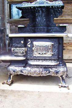 """Старинные кухонные плиты. """"Кitchen Cook stove""""- кухонная плита. За рубежом их много в музеях и на аукционах. Их реставрируют,ставят современные…"""