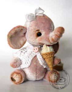 Mini baby elephant Zizi by Tashka's Bears