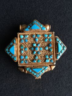 Gold and turquoise gau box, Tibetan. Private collection ✖️FOSTERGINGER AT PINTEREST ✖️