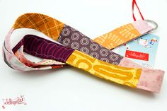 ganz buntes Schlüsselband von #Lieblingsmanufaktur: orange, lila, rosa und gelb harmonisch kombiniert