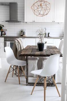 White rustic & modern dining/ kitchen