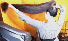 VIDEO - Mila's heavy ponytail - RealRapunzels Ponytail Updo, Long Hair Ponytail, Long Ponytails, Bun Hairstyles For Long Hair, Super Long Hair, Cut My Hair, Beautiful Long Hair, Layered Cuts, Shoulder Length Hair