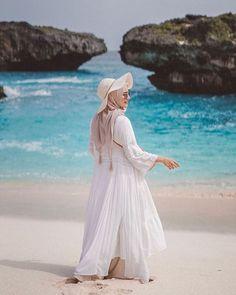 Hijab Fashion Summer, Modern Hijab Fashion, Street Hijab Fashion, Hijab Fashion Inspiration, Muslim Fashion, Hijab Casual, Hijab Outfit, Outfit Strand, Hijab Stile