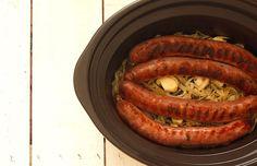 Butifarra_vino_blanco_crockpot_2 Slow Cooker Recipes, Crockpot Recipes, Crockpot Meat, Crock Pot Cooking, Poultry, Sausage, Food And Drink, Barbacoa, Garden