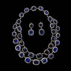 Necklace. ca. 1850. England. V and A.