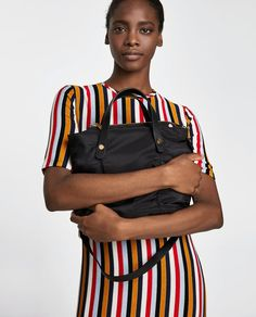 ZARA - MUJER - SHOPPER TEJIDO TÉCNICO Moda Zara, Zara Official Website, Fabric Tote Bags, Zara Bags, Zara Fashion, City Bag, Zara Women, Zipper, Outfits