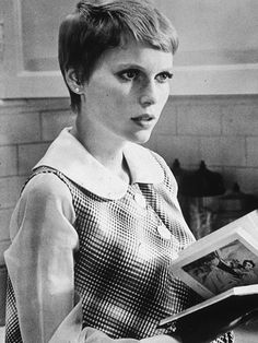 Retro Hairstyles Mia Farrow Retro Hairstyles That Are in Style - Celebrity Hairstyle Inspiration - Good Housekeeping - Some 'dos never go out of style — and these celebs are here to prove it. People Reading, Woman Reading, Ombre Highlights, Retro Hairstyles, Celebrity Hairstyles, Celebrity Pics, Party Hairstyles, Long Hairstyles, Wedding Hairstyles
