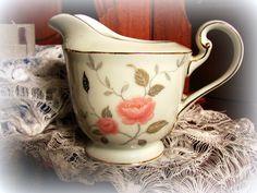 Jarra porcelana Tsuji, $80 en http://ofeliafeliz.com.ar