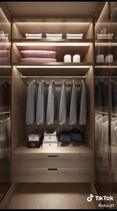 Walk In Closet Small, Walk In Closet Design, Bedroom Closet Design, Small Closets, Home Room Design, Master Bedroom Closet, Master Bedroom Wardrobe Designs, Small Master Closet, Walk Through Closet