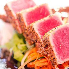 Sashimi - Sushi Banzai - Zmenu, The Most Comprehensive Menu With Photos Sashimi Sushi, Think Food, Light Recipes, Food Design, Raw Food Recipes, Grilling, Food Porn, Menu, Fish