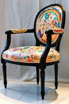 Ideas Original to decorate your table this season Let kids decorate a chair for their room. Garage sale chair, recovered in canvas, colored w/ sharpies, sealed with laquer. Ideas Original to decorate your table this season Decor, Furniture, Upholstery Fabric, Painted Furniture, Chairs For Sale, Chair, Painted Chairs, Armchair, Upholstery