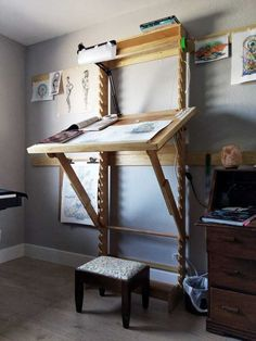 8 DIY Wall Mounted Folding Table Ideas Wall-mounted dining … Wall-mounted drop-leaf table – Fold down desk – Small kitchen table – Side table… Wall-mounted drop-leaf … wall table DIY. you'll learn how to make and install a wall-mounted folding table. Wall Mounted Folding Table, Wall Mounted Desk, Wall Desk, Space Saving Furniture, Diy Furniture, Furniture Design, Space Saving Desk, Furniture Vintage, Diy Wand