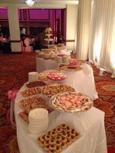 Pittsburgh Cookie Table http://shaylahawkinsevents.blogspot.com/2014/06/pittsburgh-wedding-planner-pittsburgh.html {Shayla Hawkins Events} #cookietable #cookies #pittsburgh #SHE #pittsburghweddingplanner #wedding #dessert