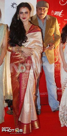 Rekha was seen in one of her regulation kanjeevaram saris. Also seen in this picture is Jackie Shroff.