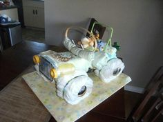 Diaper Jeep with Tigger Jeep Diaper Cake, Diaper Cakes, Tigger, Baby Shower, Babyshower, Diaper Bouquet, Baby Showers