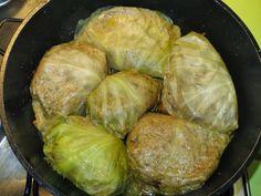 Domowe ciasta i obiady: Gołąbki mięsne z kaszą gryczaną i sosem grzybowym Sprouts, Vegetables, Vegetable Recipes, Veggies