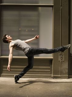 Denis Darzacq, Act 2 Creative Portraits, Creative Photography, Street Photography, Shutter Speed Examples, Beautiful Yoga Poses, Contemporary Ballet, Photo Sculpture, Research Images, Body Reference