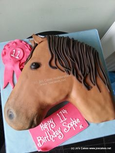 Jo's Cakes: Horse Themed Birthday Cake. This would be awesome for my niece Savannah